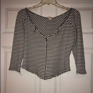 Button crop quarter sleeve shirt
